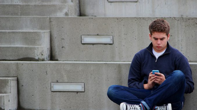 Five Easy Ways To Keep Teenagers Safe Online